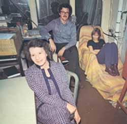 Gertrude  Schmeidler en su laboratorio de parapsicología en el City College de New York.