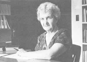 Louisa Ella Rhine encontró que los sueños forman entre un tercio y dos de todos los casos espontáneos, seguidos de experiencias intuitivas y alucinaciones en vigilia.