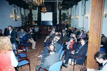 Momento de discusión entre los participantes del encuentro.