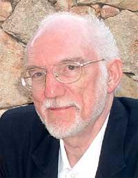 El medium Stewart Alexander.
