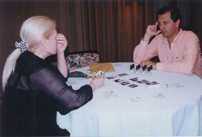 Alejandro Parra y la psíquica Leonor Hernández
