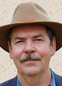 El periodista de Texas Stacy Dennis, que lo entrevistó para Omni en 1990, atrajo la atención de muchos lectores. Asi se creó el Proyecto SLIDE.