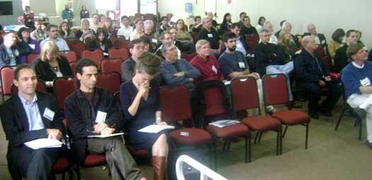 Detalle del público participante durante una de las sesiones.