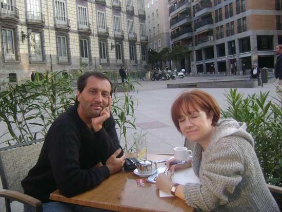 La escritora Isabella Herranz y Alejandro Parra en Madrid.
