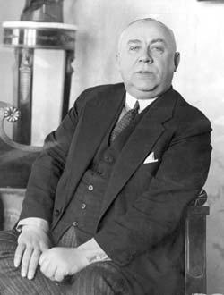 Las capacidades psíquicas del psíquico polaco Ossowiecki le permitían localizar objetos perdidos y personas desaparecidas, y cooperaba en varias investigaciones criminales.