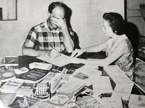 En sesiones espiritistas, Xavier acostumbraba a psicografiar cartas de personas fallecidas, a pedido de sus familiares, las cuales conten�an informaciones espec�ficas que el m�dium supuestamente no pod�a saber de forma normal, incluyendo apellidos y otras identificaciones relevantes.