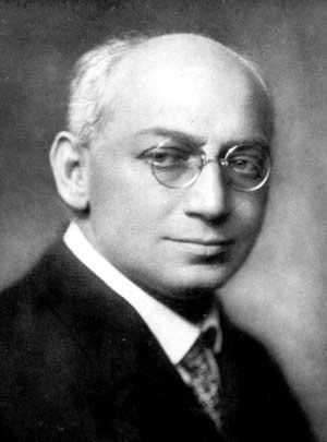 El médico y psicoanalista húngaro Sándor Ferenczi (1873-1933) fue discípulo de Sigmund Freud, su obra es una contribución clínica a la técnica activa, y estaba interesado en las psicoterapias a corto plazo.