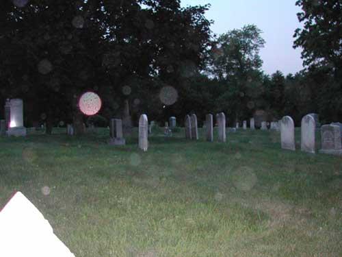 Los orbs pueden aparecer en sitios donde se presume hay actividad paranormal, hauting, y correlacionan con psicofonías y apariciones (Foto Archivo Instituto de Psicologia Paranormal©).