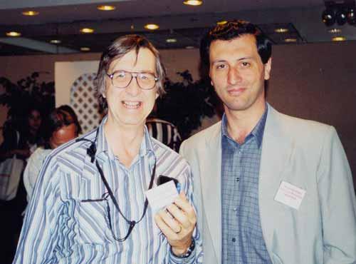 Charles Tart y Alejandro Parra, durante una convención anual de la Parapsychological Association en New York en Agosto de 2001.