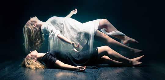 Las experiencias fuera del cuerpo se han estudiado en parapsicología, y se cuentan entre los estados de conciencia más comunes.