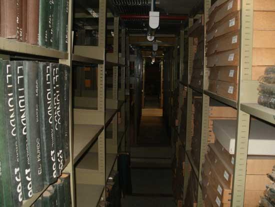 Biblioteca Nacional de Buenos Aires. Uno de los pasillos del primer subsuelo, donde según testigos, se manifiestan apariciones y se oyen sonidos.