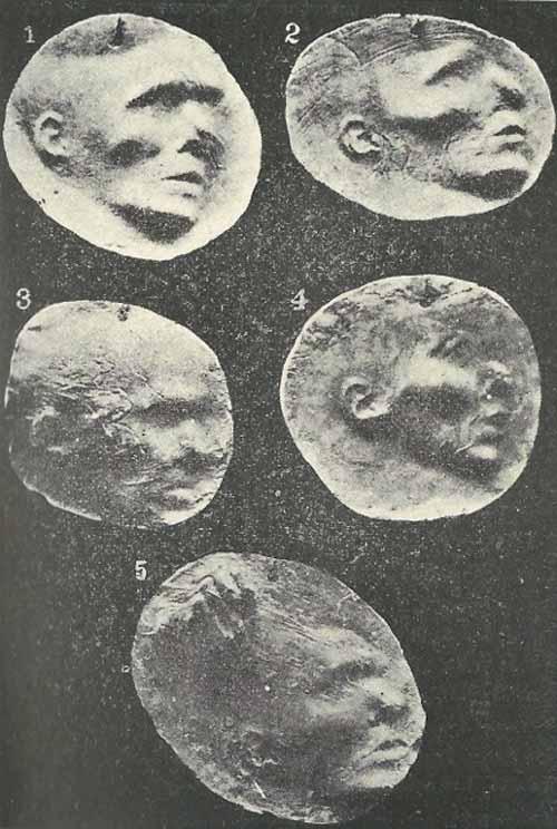 Impresiones de rostros y manos sobre moldes de arcilla obtenidos por Otero Acevedo durante la sesiones con la italiana Eusapia Palladino en Nápoles, entre 1888 y 1889 (Otero Acevedo, 1893-1895)