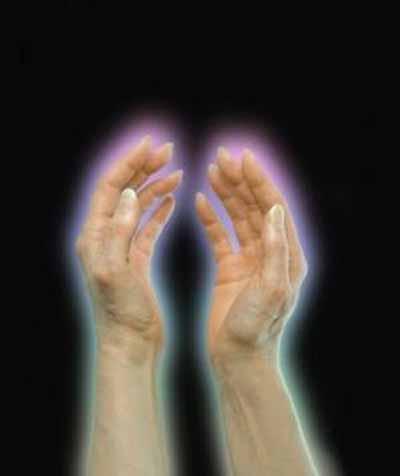 """La luz se puede percibir en estado de vigilia, en estado hipnagógico o hipnopómpico, o en sueños, o ver el aura """"luminosa y coloreada"""" alrededor del cuerpo de una persona."""