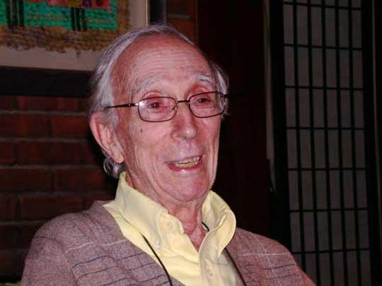 """El término """"parapsicología clínica"""" fue utilizado a mediados de los setenta por Montague Ullman. La Psicología Transpersonal añade una nueva perspectiva al comprender las experiencias excepcionales o espirituales como indicadores de crecimiento espiritual."""