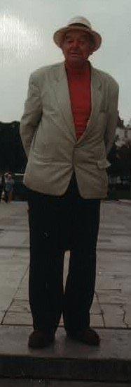 Sergio Bernardi, un experto italiano en antropología cultural y parapsicología, fue difusor del concepto de resistencia inconsciente para el reconocimiento y aceptación de los fenómenos paranormales. Conoció personalmente a Ernesto de Martino y durante nuestros encuentros personales, recordó su propuesta de la nueva disciplina llamada etnometapsíquica.