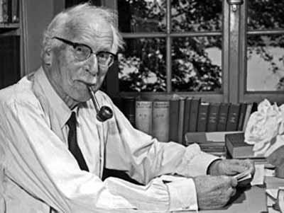 Jung le escribió a Rhine que la principal dificultad con la sincronicidad y la percepción extrasensorial es que se piensa en éstas como producida por el sujeto. La sincronicidad es una expresión creativa, espontánea y acausal de significación propia del territorio que subyace a la materia y a la psique -sostenía Jung.