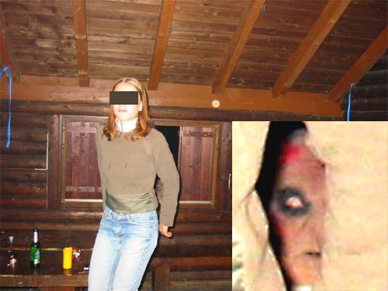 La fotografía en cuestión con Silvia en primer plano, más un extra y el Extra ampliado en la fotografía.