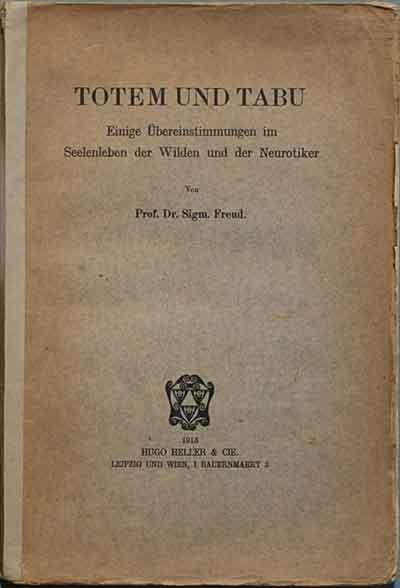 """En Totem y Tabú (1913), Freud plantea que la psicología de los pueblos ha permanecido en una fase animística infantil, y habla de """"espíritus"""" dándoles la misma acepción que los espiritistas."""