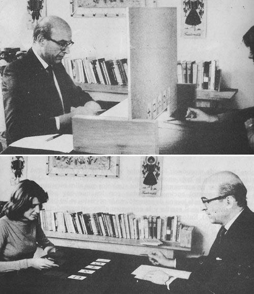 Enrique Novillo junto a una estudiante llevando a cabo experimentos de PES mediante la técnica Screen Touch Matching en el Instituto de Parapsicología de la Universidad Católica de Córdoba (circa 1974).