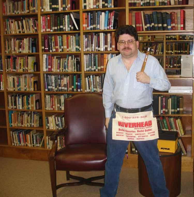 Alvarado en la Biblioteca de la Parapsychology Foudnation (circa 2004).